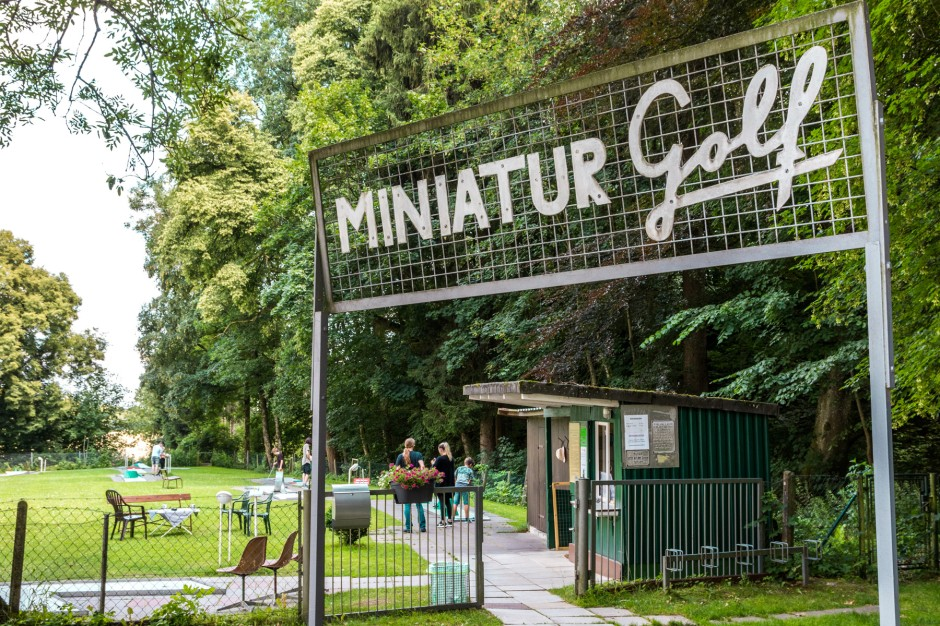 Traditionsreicher-Ort-Der-Minigolfplatz-Wellenburg-ist-ueber-50-Jahre-alt
